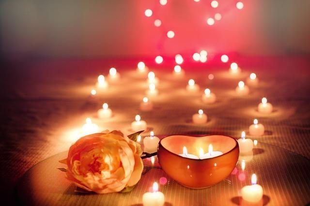 svíčka s růží
