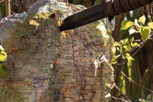 Nůž a mapa