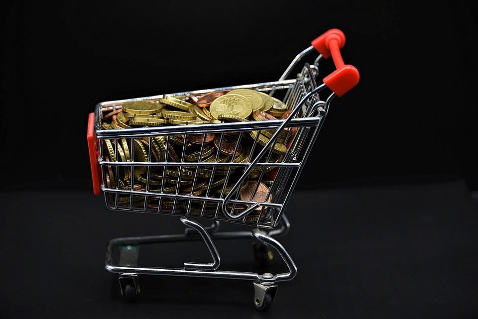 košík a mince