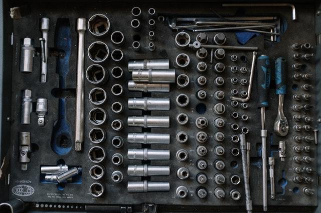 kovové nářadí