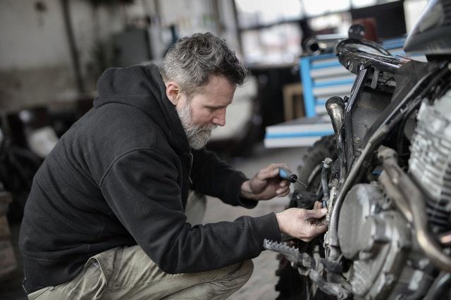 práce automechanika